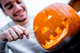 Halloween special: How to safely carve your pumpkin!