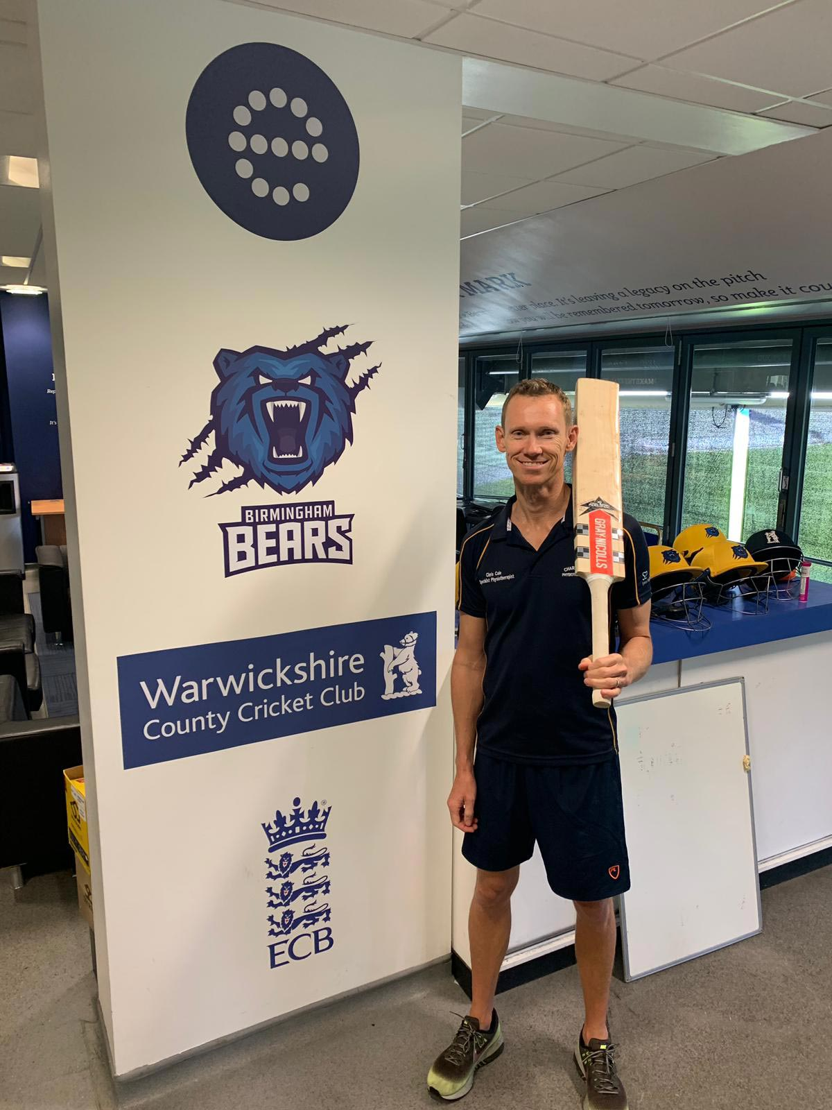 Howzat! Aussie physiotherapist on tour for Warwickshire County Cricket Club